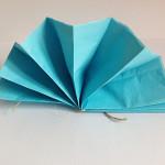 Partydekoration aus Seidenpapier