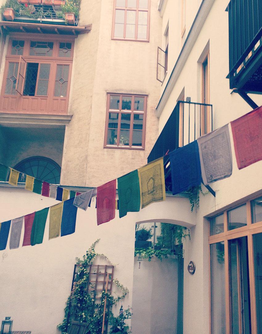 Feelgoodstudio-Yoga-fuer-Schwangere-Wien-mit-Kind