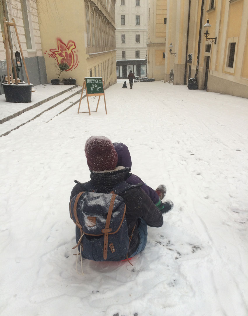 Rodeln-in-Wien-mit-Kind