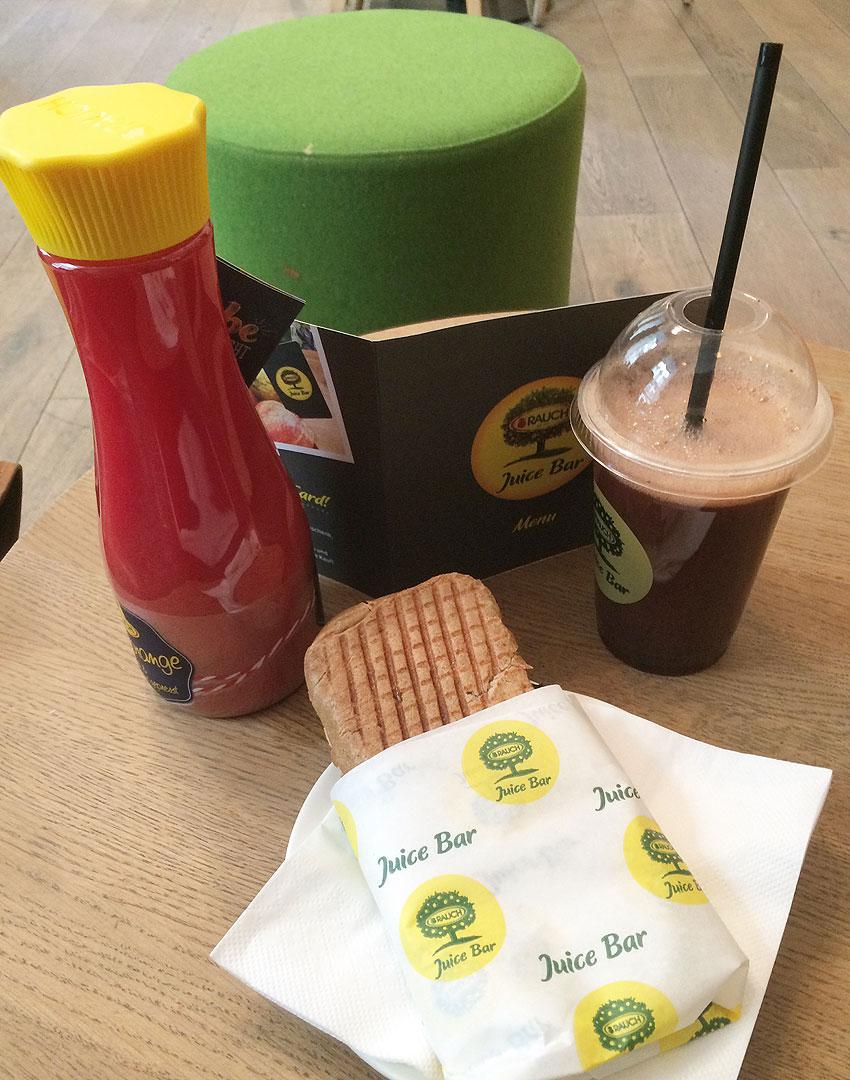 Rauch-Juice-Bar-Neubaugasse Wien mit Kind