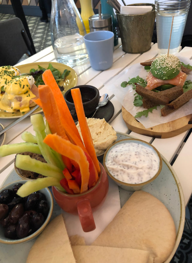 Brunch Frühstück im Cafe Telegraph